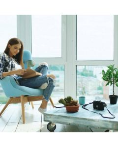 La fenêtre PVC Prélude, c'est la promesse de vous offrir une fenêtre PVC capable d'une grande performance d'isolation sans alourdir votre budget. Disponible chez monsieur store marseille et Aix en provence